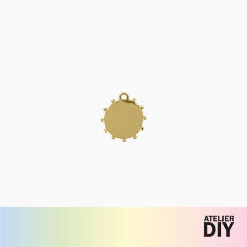 Pendentif médaille dorée DIY